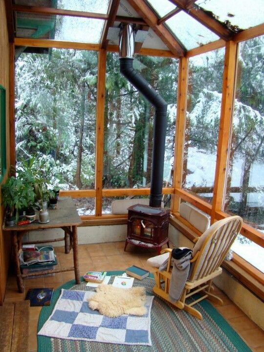 30 id es pour am nager un porche ou une v randa en hiver wood burning stove and porch. Black Bedroom Furniture Sets. Home Design Ideas