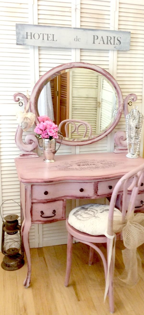 Today's reader feature was submitted by Rose, who shared her Hand Painted  Antique Vanity. She first painted the desk in a Texas Rose Milk Paint, ... - Hand Painted Antique Vanity - Reader Feature HOME AND FURNITURE
