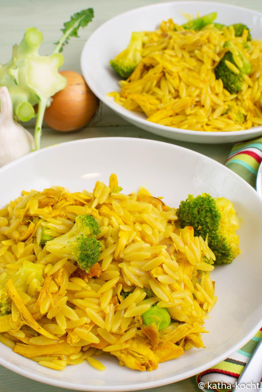 Curry-Kritharaki mit Hähnchen und Brokkoli - Katha-kocht!