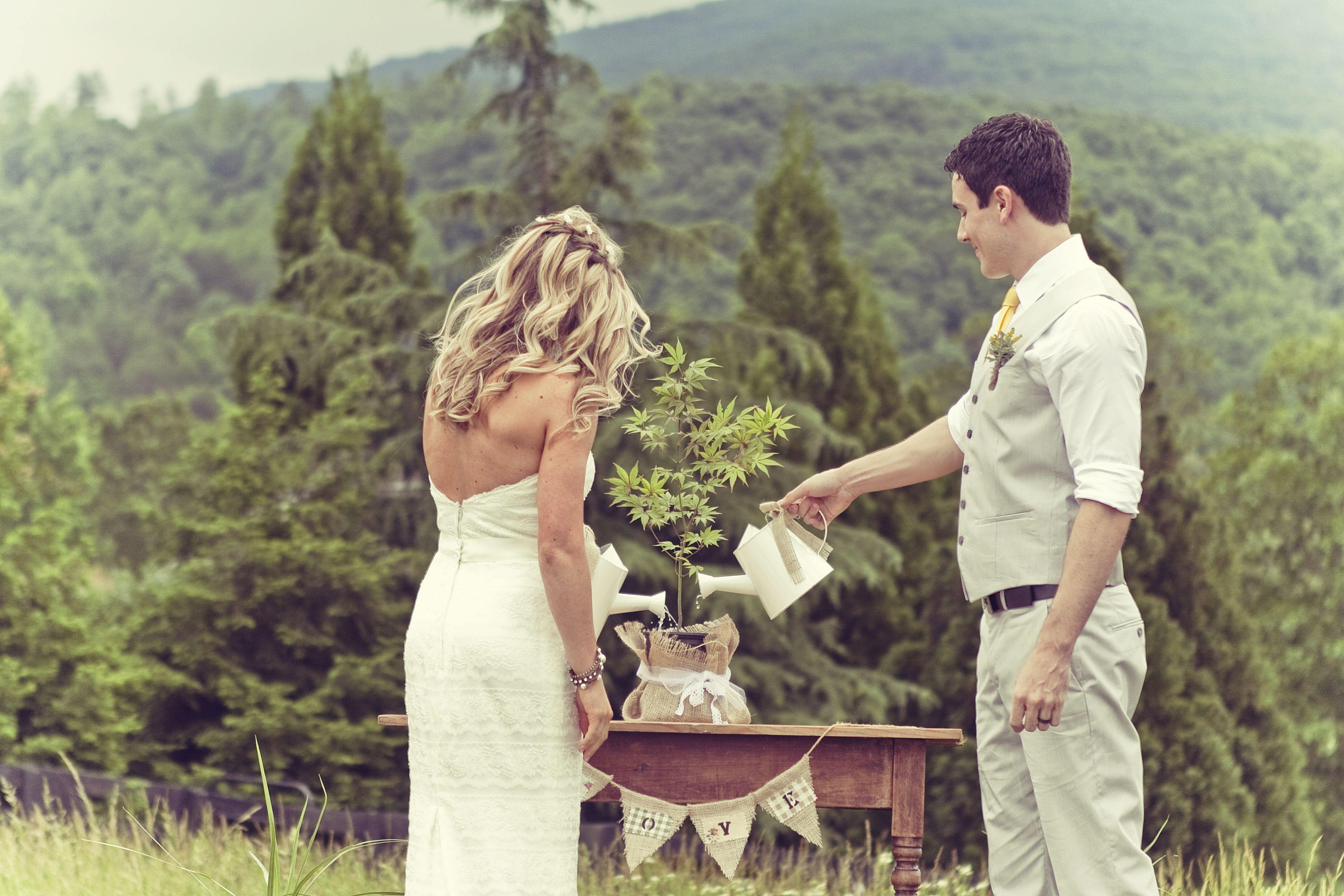 outdoor-rustic-wedding-ceremony