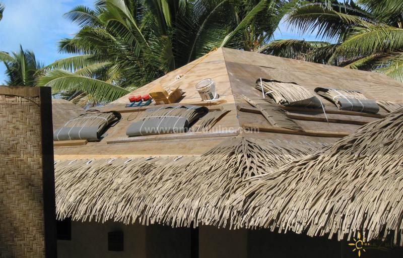 Detailed Roofing Rio Palm Thatch Synthetic Palm Thatch Panels Amazulu Thatch Thatched Roof Roofing