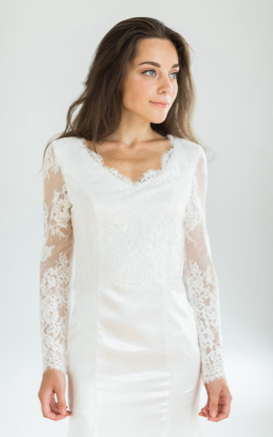 Long sleeve cocktail dress for wedding  White Vintage Style Mermaid Wedding With Long Lace Sleeves Dress