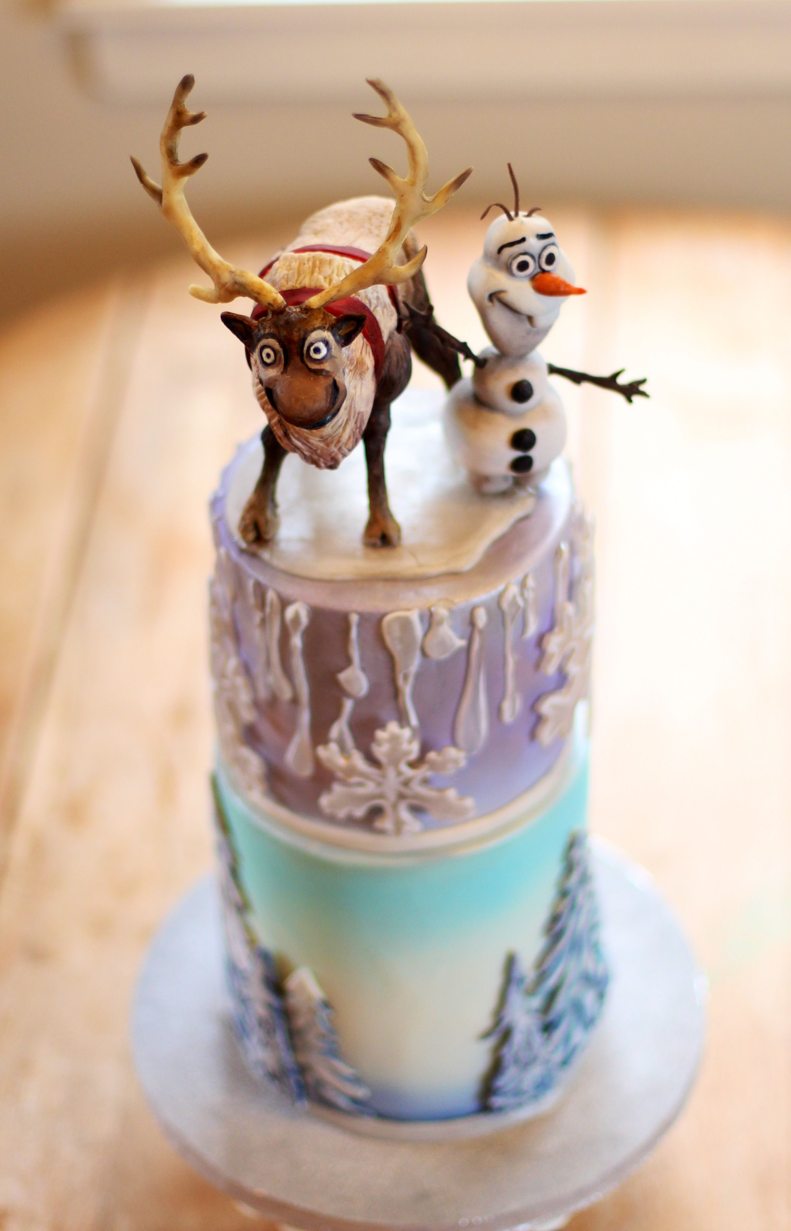 Childrens Birthday Cakes Disney Frozen cake Modeling chocolate