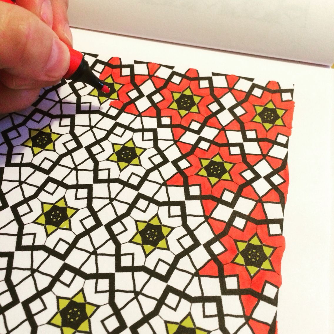 Was macht man nach einem langen, stressigen Tag? Man malt sein ...
