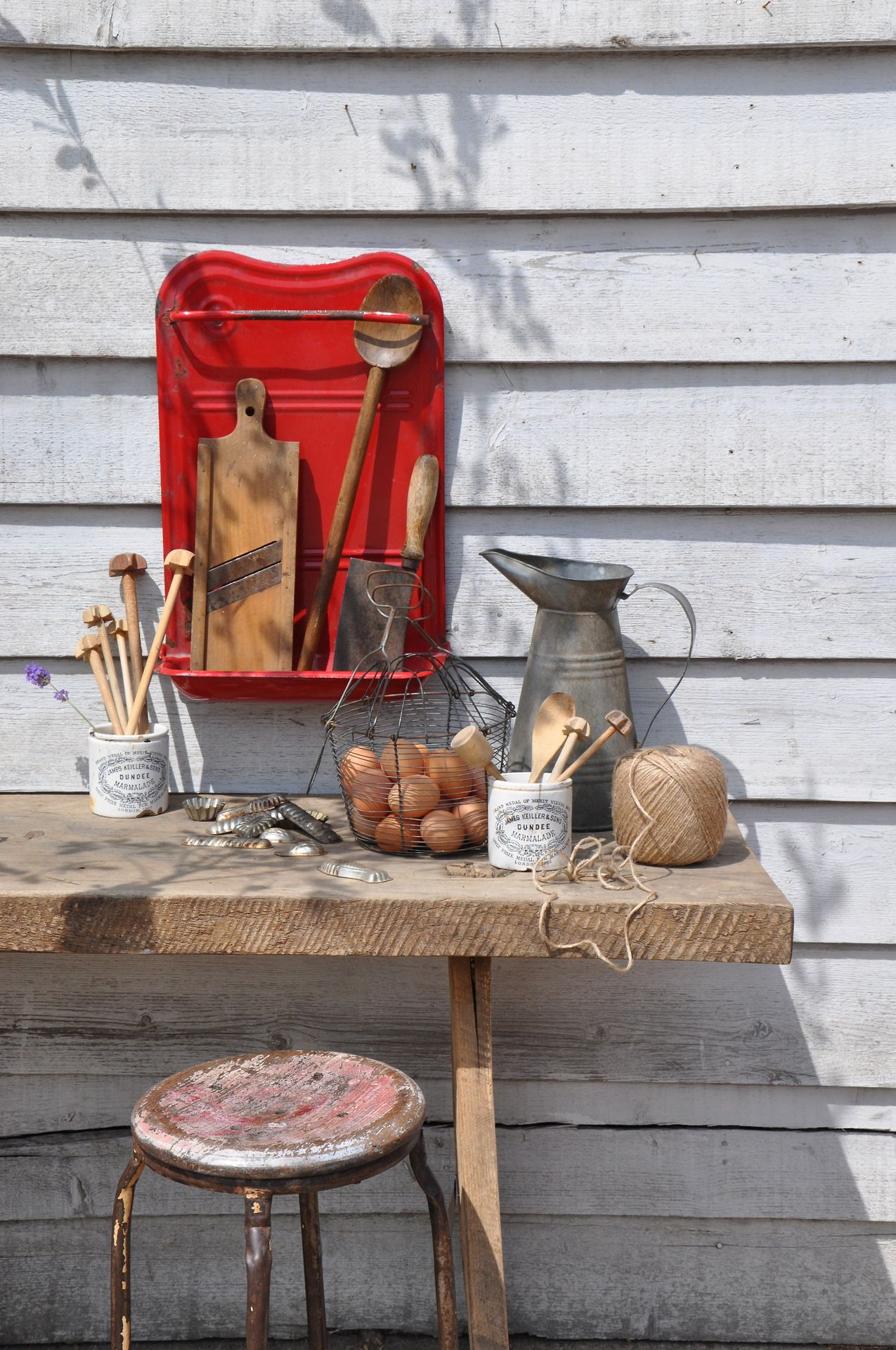 wonderful rustic simplicity!, re. via Home Barn blog http://www.homebarn.co/ #outdoor #kitchen #alfresco