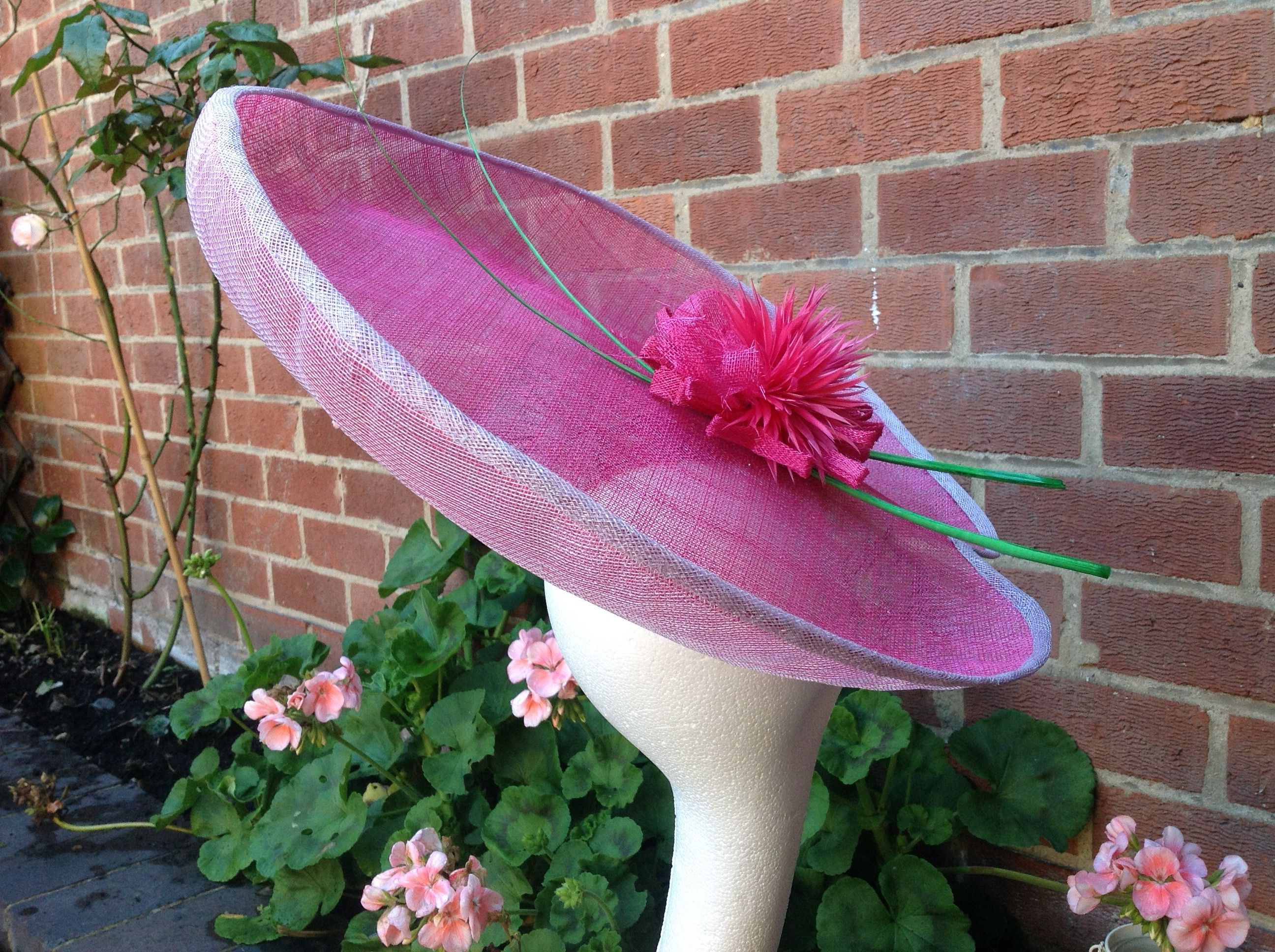 Allium1. Large pink saucer inspired by allium flowers | Tocados 2 ...