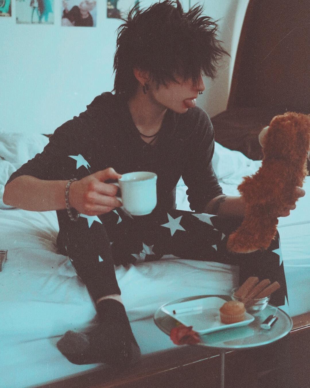 Breakfast With Winnie The Pooh Grunge Softgrunge Aesthetic Tumblrboy Emo Animeboy Emoboy Alternative Cosplay Cute Emo Emo Grunge Boy ✰ soft boy aesthetic  finding your aesthetic  nuel obodokwe. cute emo