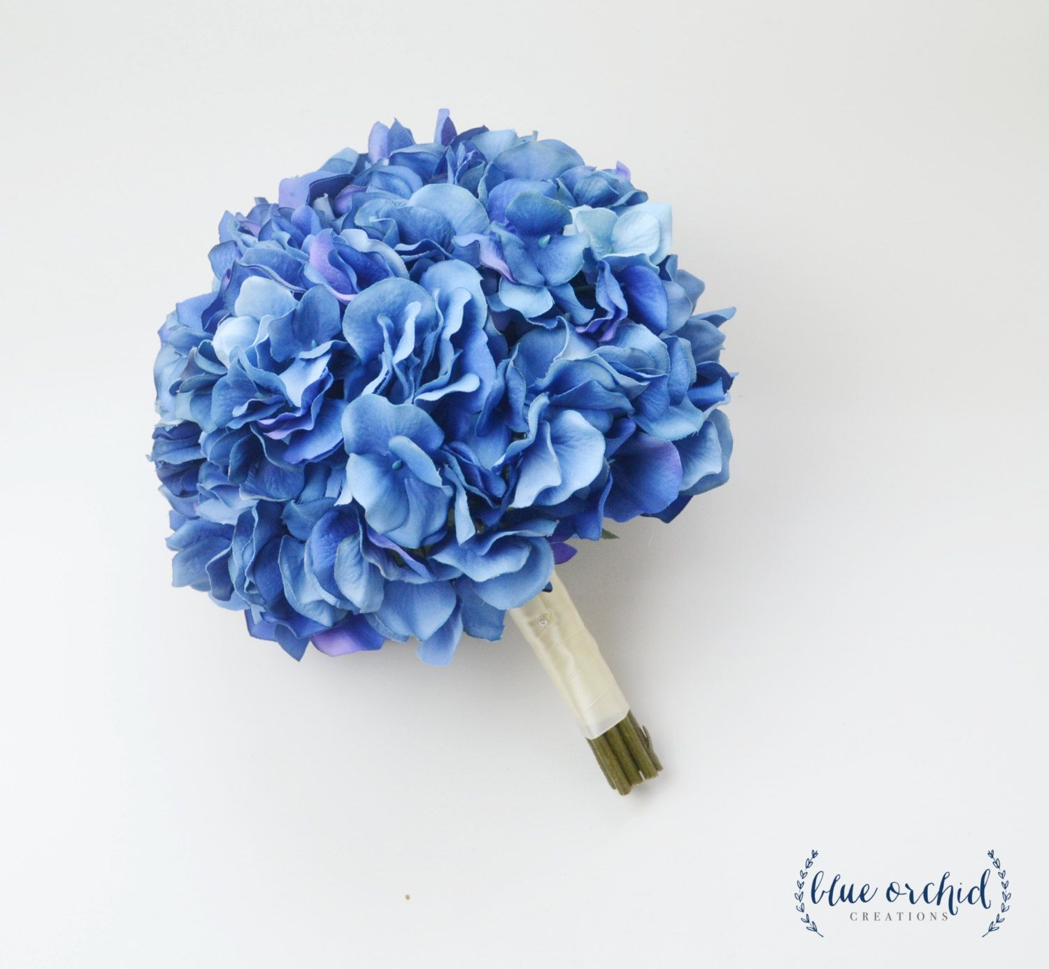 Blue Hydrangea Bouquet Silk Hydrangea Bouquet Bright Blue Etsy Blue Hydrangea Wedding Hydrangeas Wedding Blue Hydrangea Bouquet