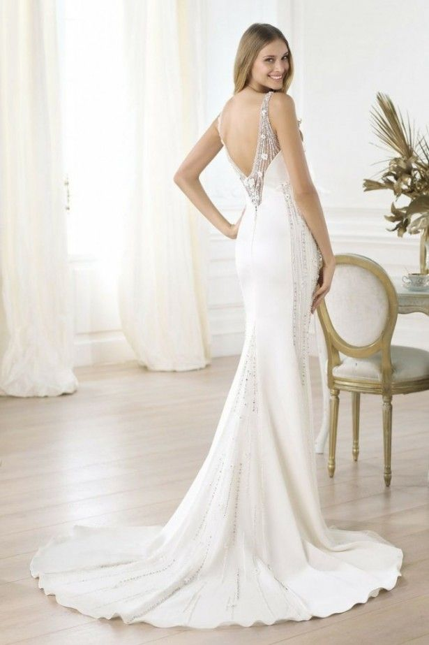 Tips To Choose Wedding Dresses For Tall Brides Finding a wedding ...