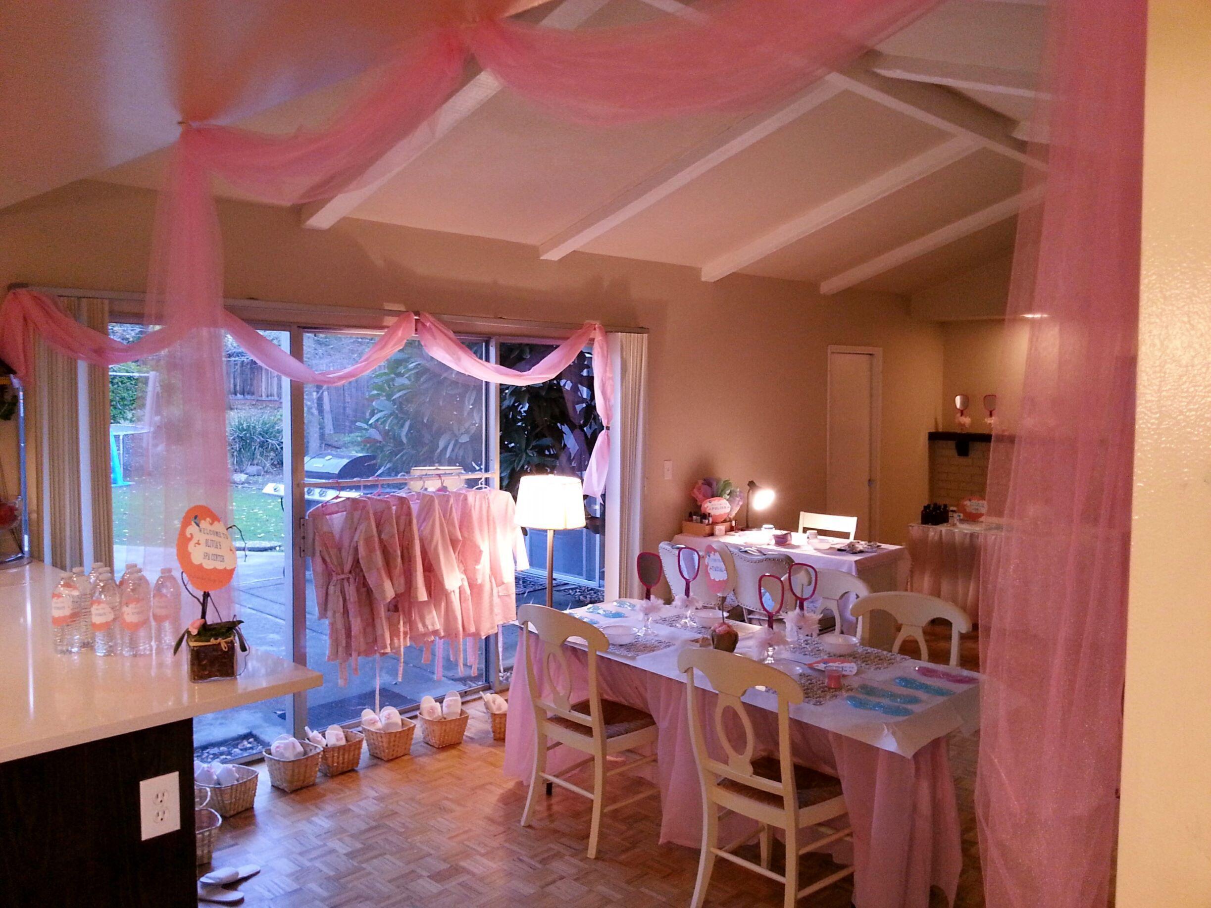 Spa Party Idea: Tranform your family room into a spa!! Livie's 9th Birthday Party