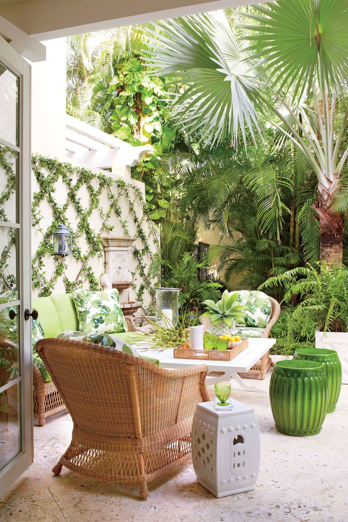 We Bet You Ve Never Seen A Town House This Gorgeous Tropical