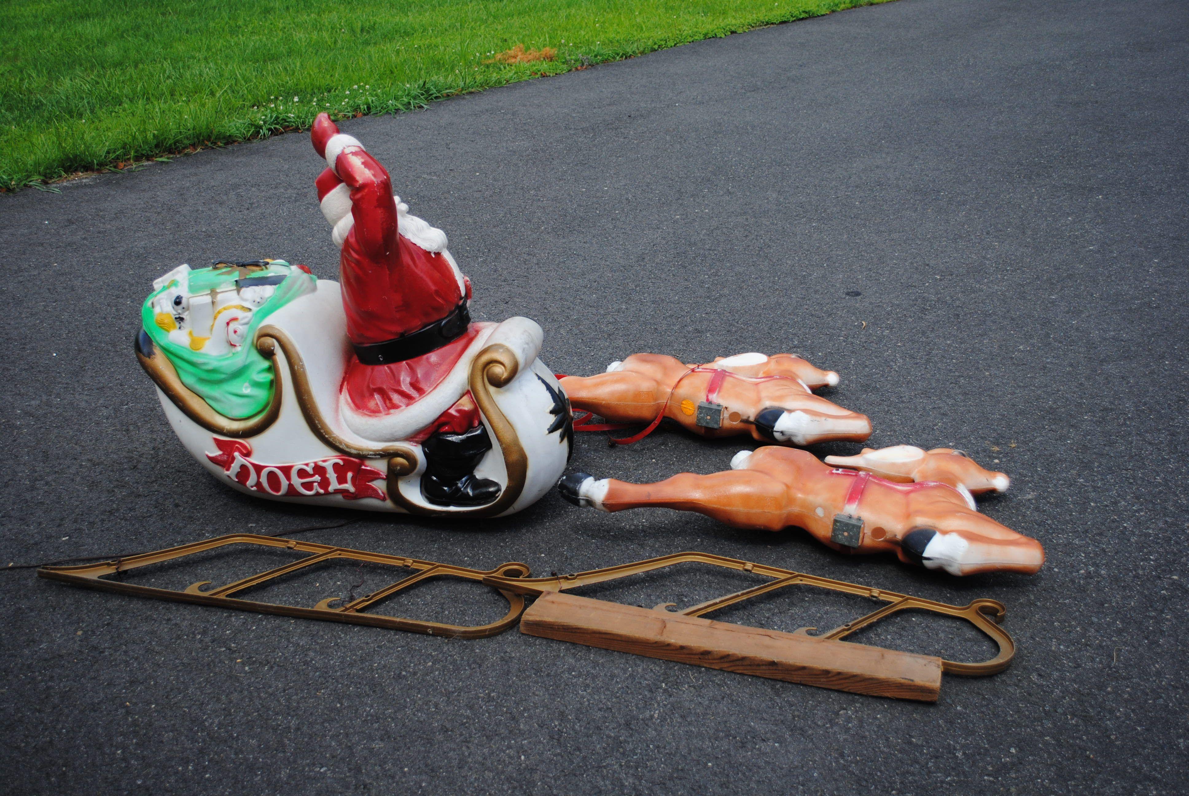 Empire blowmold Santa & reindeer on Craigslist central NJ