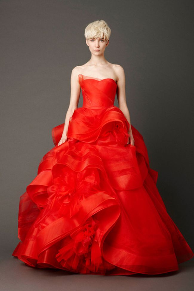 vera wang red weddingdress1