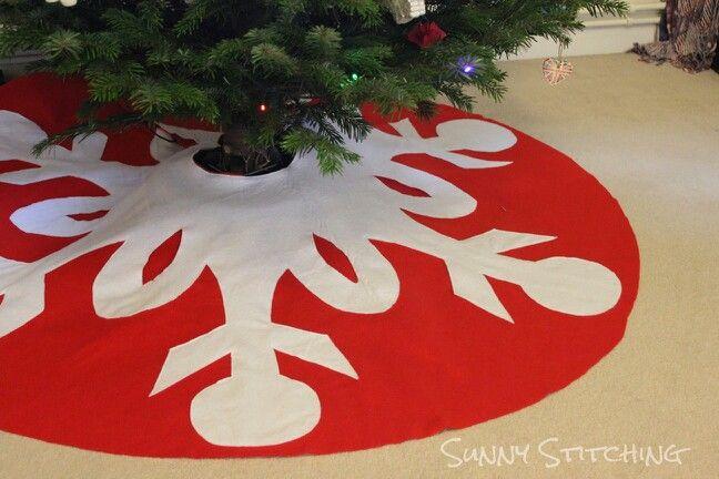 Tree skirt 8 Ideas Pinterest Tree skirts and Christmas tree