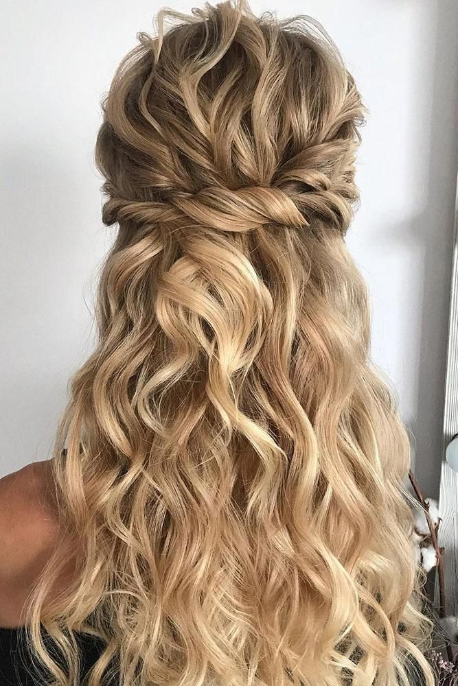 Side braids, updos, voluminous hairstyles are extremely trendy this year for dif...,  #Braids... #sidebraidhairstyles