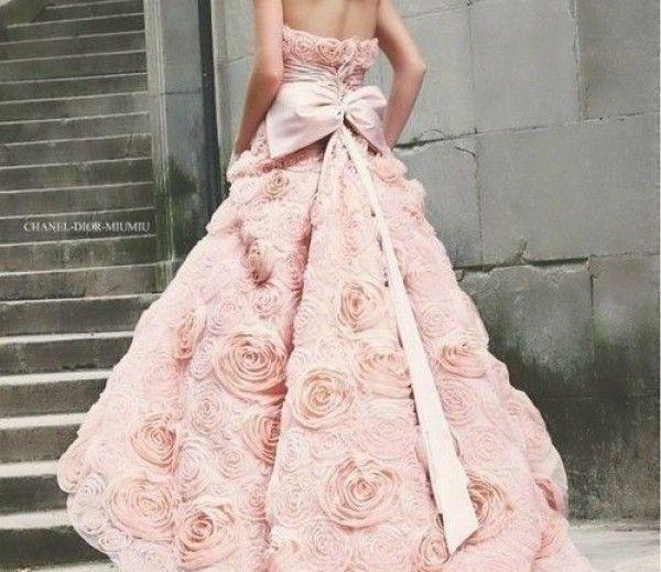 dior-wedding-dress pink-wedding-dress wedding-dress-flower-detail ...
