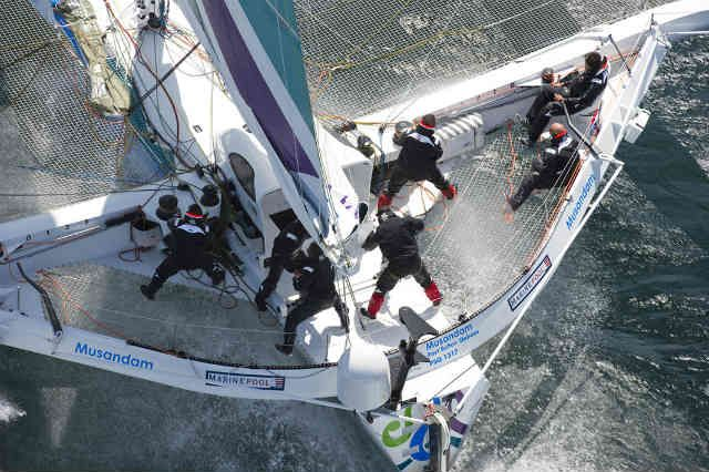 "Round Britain and Ireland: ""Oman Sail Musandam"" batió el record"