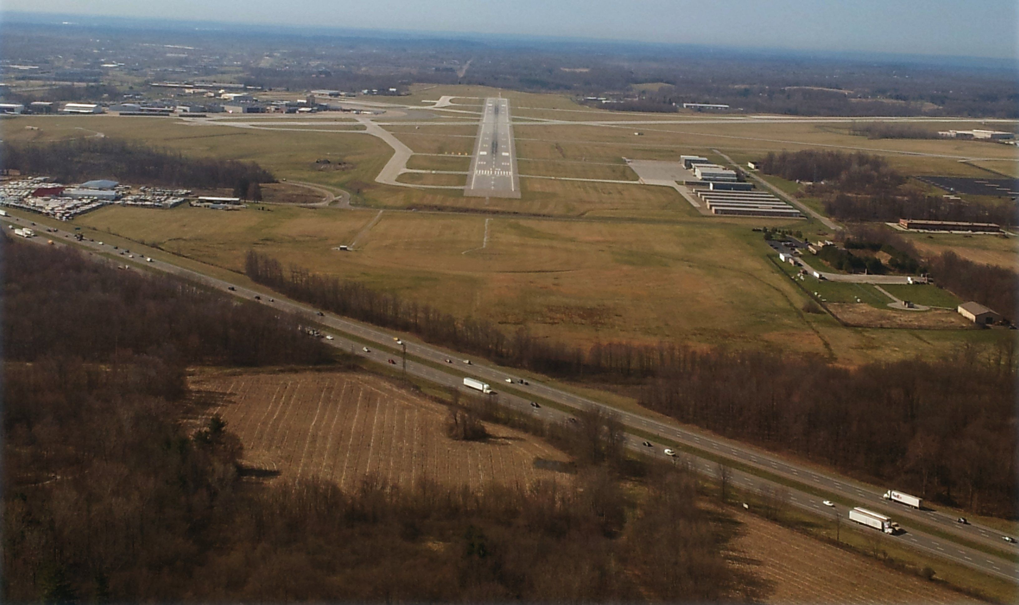 Long final to runway 19 Akron/Canton Airport Crossing