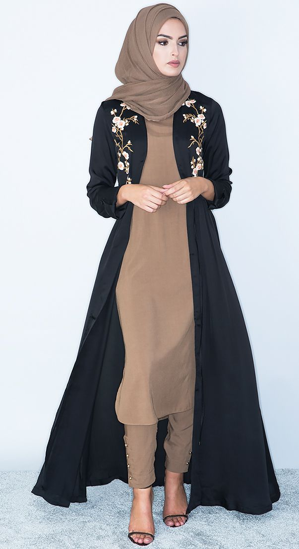 b0207af1e62c Aab: Contemporary Modest Wear, Abayas, Jilbabs and Hijabs Closet Classics.