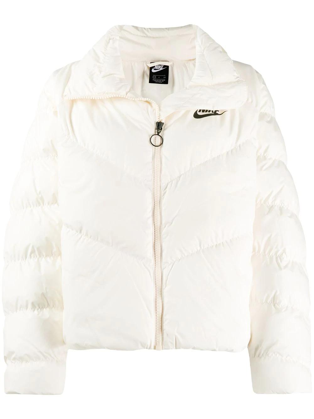 Nike Logo Print Puffer Jacket Farfetch Com Jackets Nike Jackets Women Puffer Jackets [ 1334 x 1000 Pixel ]