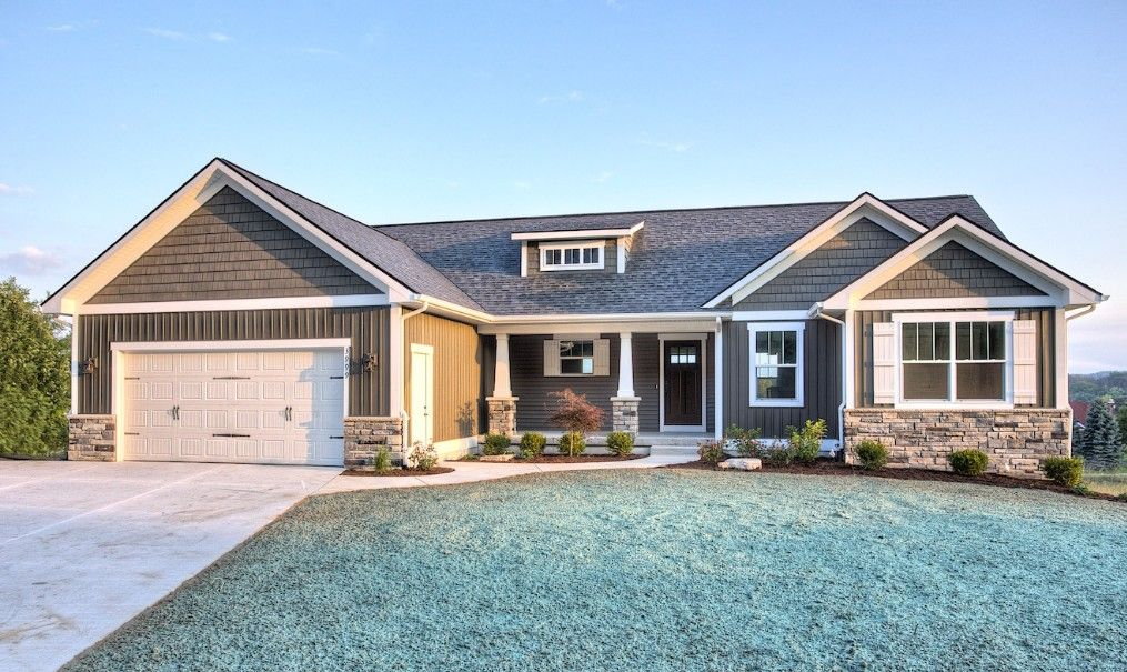 Love This Exterior No Link To Floor Plan Craftsman Style House Plans Craftsman House Plans Ranch House Exterior