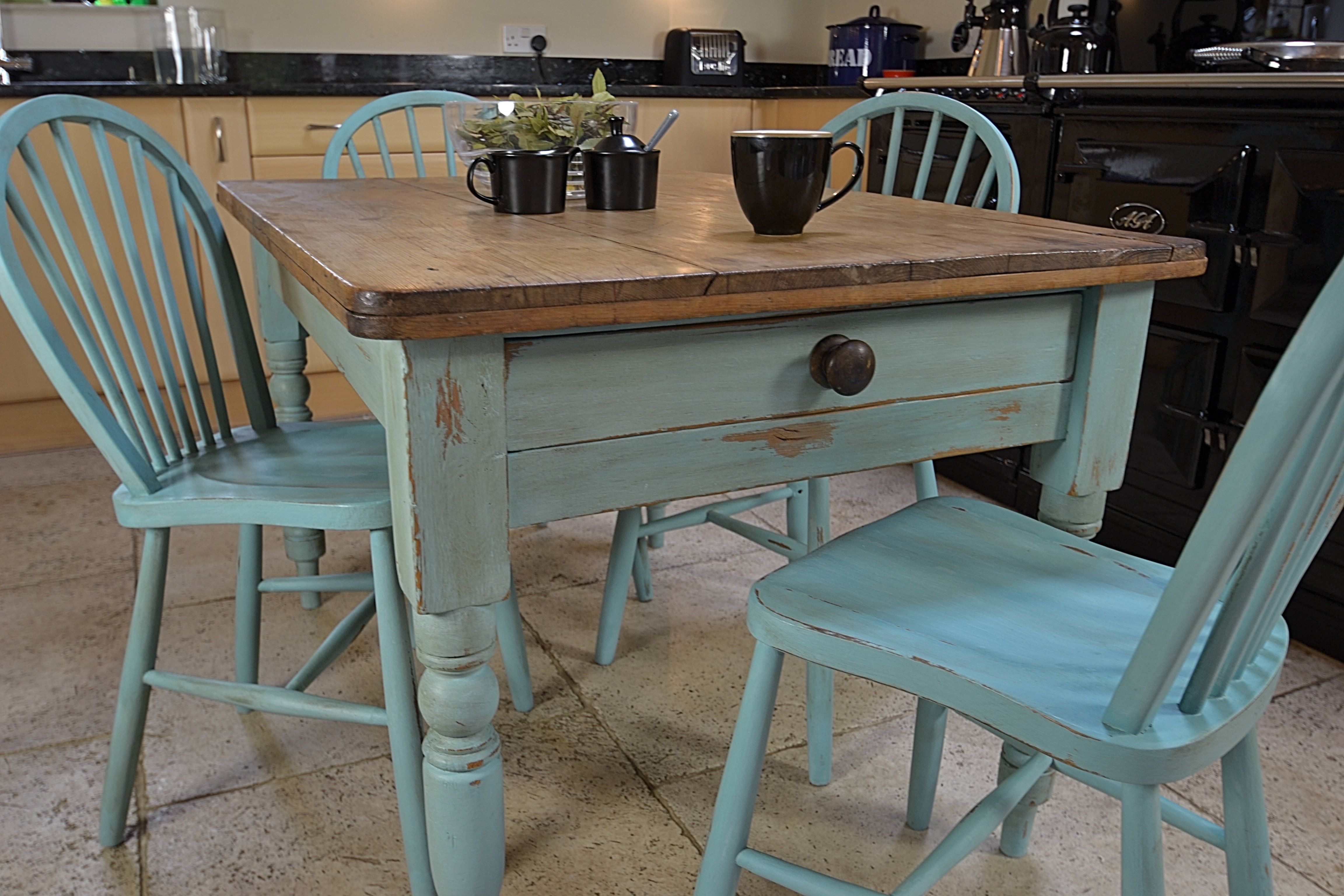 shabby chic dining table set | this rustic shabby chic dining