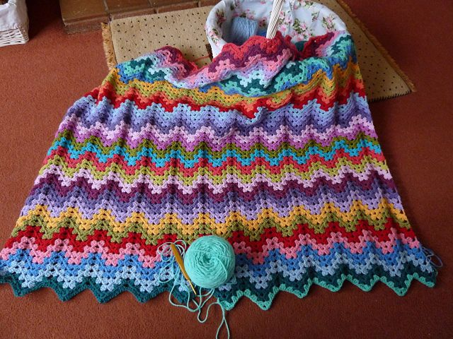 granny ripple throw: free pattern | Stuff Mom can make for Me. Lol ...
