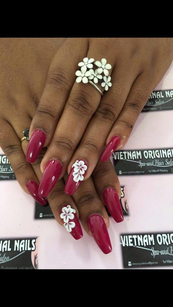 Deep Red Nail Design White Acrylic Daisy Flower Coffin Nails