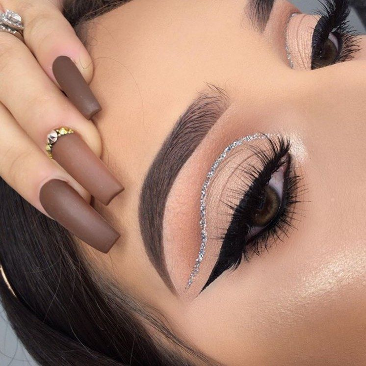 Soft Cut-Crease Eye Glam Look Idea