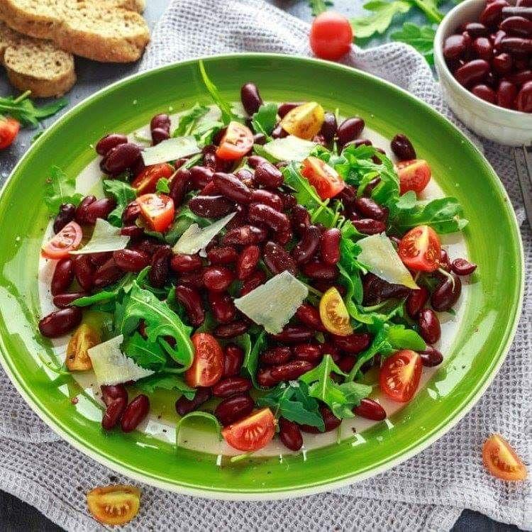مطبخ سيدتي On Instagram سلطة الفاصوليا الحمراء مع الجرجير والطماطم تميزي بتقديمك أطيب السلطات المحضرة بالفاصولي How To Cook Pasta Picnic Foods Picnic Food