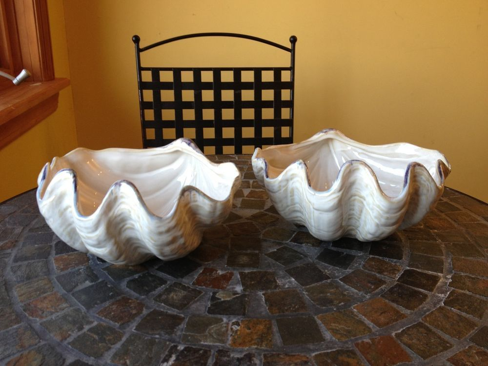 Pottery Barn Under The Sea Set Of 2 Ceramic Clam Shell