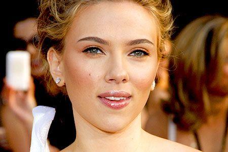 such pretty make up...i swear the girl has no pores