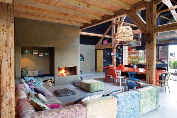 Colore E Materiali Riciclati Per Un Fienile Ristrutturato Dettagli Home Decor Design D Interni Colorato Fienili Ristrutturati Idee Per Interni