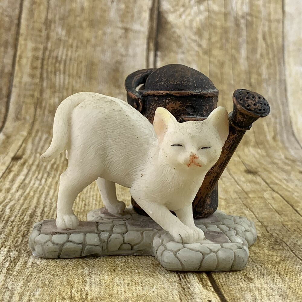 Cat Watering Can Figurine White Kitten Resin Unbranded In 2020 White Kittens Cat With Blue Eyes Kitten