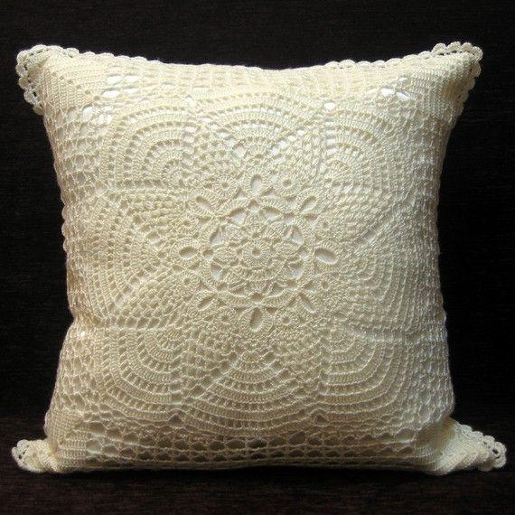 Biatelien crochet and satin pillow cover | Cojines | Pinterest ...