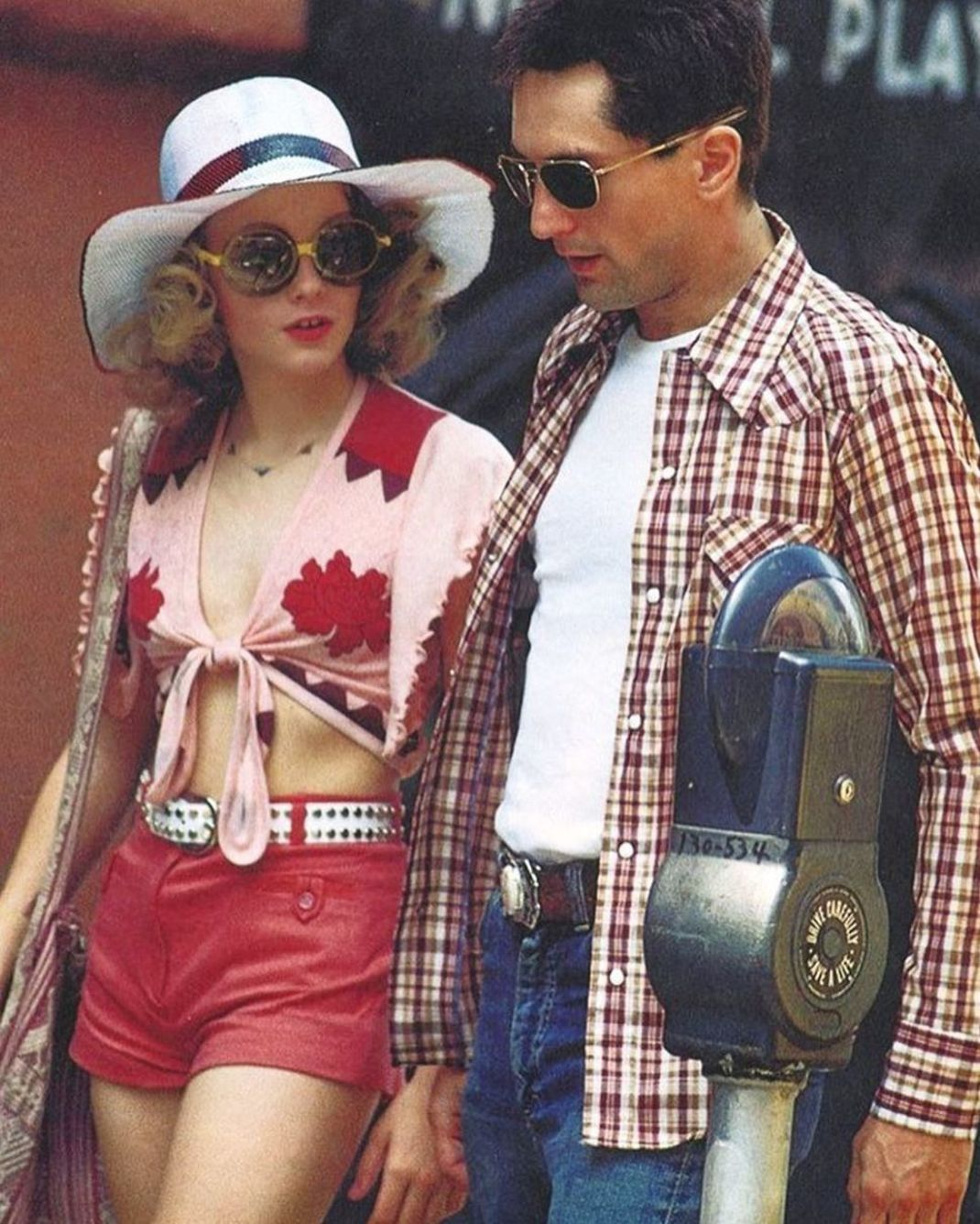 Jodie Foster And Robert De Niro Behind The Scenes Of Martin Scorsese S Taxi Driver Jodie Foster Taxi Driver Be With You Movie