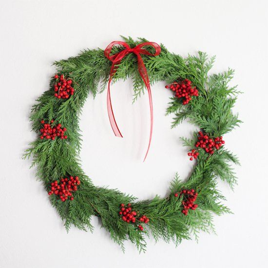 Make a simple holiday wreath in under 20 minutes.