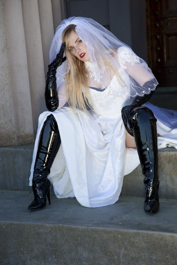 Pin by Wead Grimwine on Fashion | Latex boots, Thigh high ...