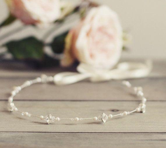 Tocado de novia simple diadema nupcial vid de por JoannaReedBridal