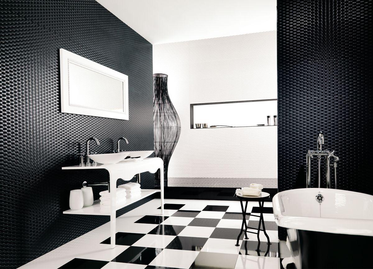 Blanco y negro by Atika. | Into the Bath | Pinterest