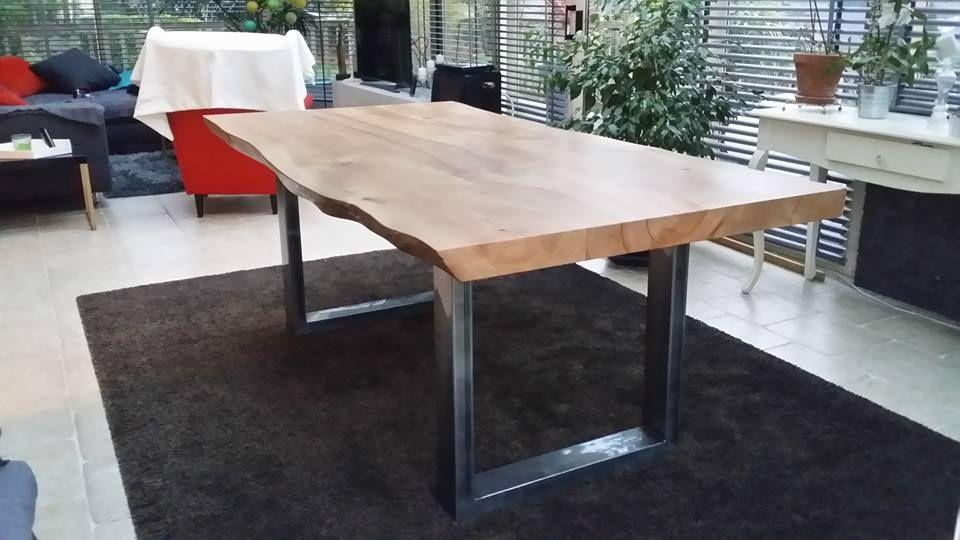 Table à manger design réalisée sur mesure avec plateau en orme et ...