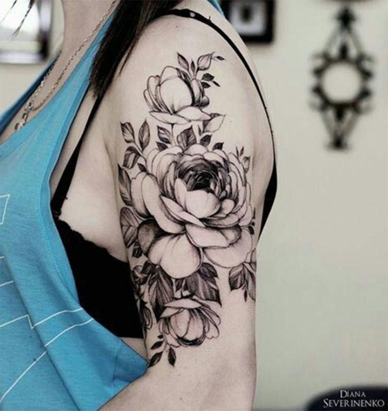 Tatuagem no braço Flores