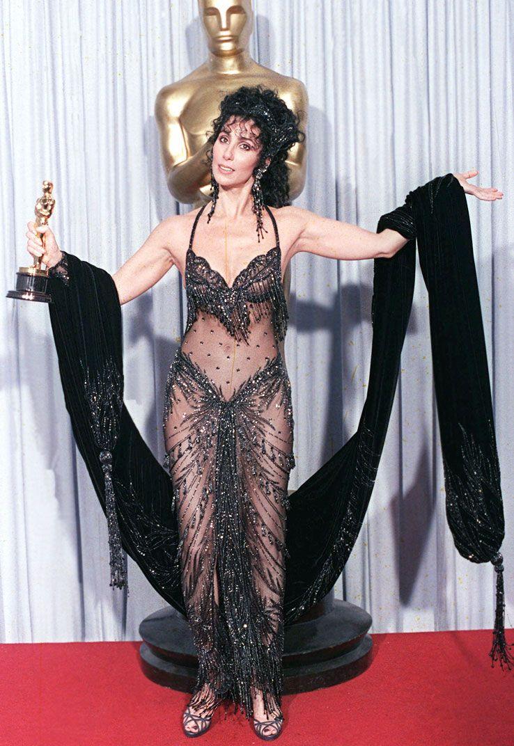 Cher in Bob Mackie, 1988 Oscars | Famous dress, Oscar dresses, Oscar fashion