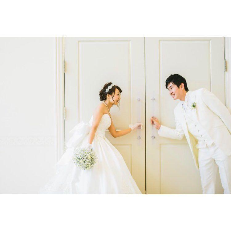扉も立派なフォトスポット 結婚式場の 扉の前 で撮りたいウェディングフォト6選 Marry マリー ウェディングフォト ウェディング 結婚式 写真