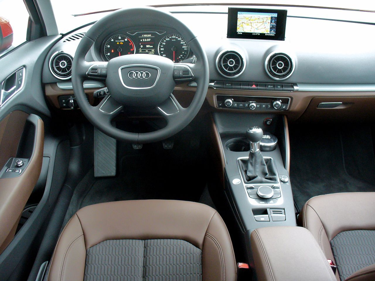 Audi A3 8V 1.4 TFSI Ambiente Misanorot Interieur - Audi A3 ...