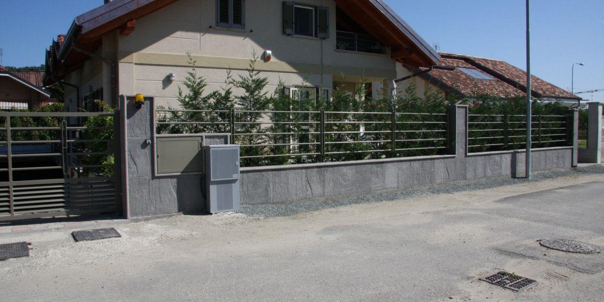 Muro di recinzione pietra ardesia esterni design for Idee per recinzioni esterne