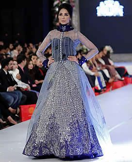 D5714 Glorious Designer Gown For Wedding And Special Occasions Hsy Gowns Stani Birmingham Uk