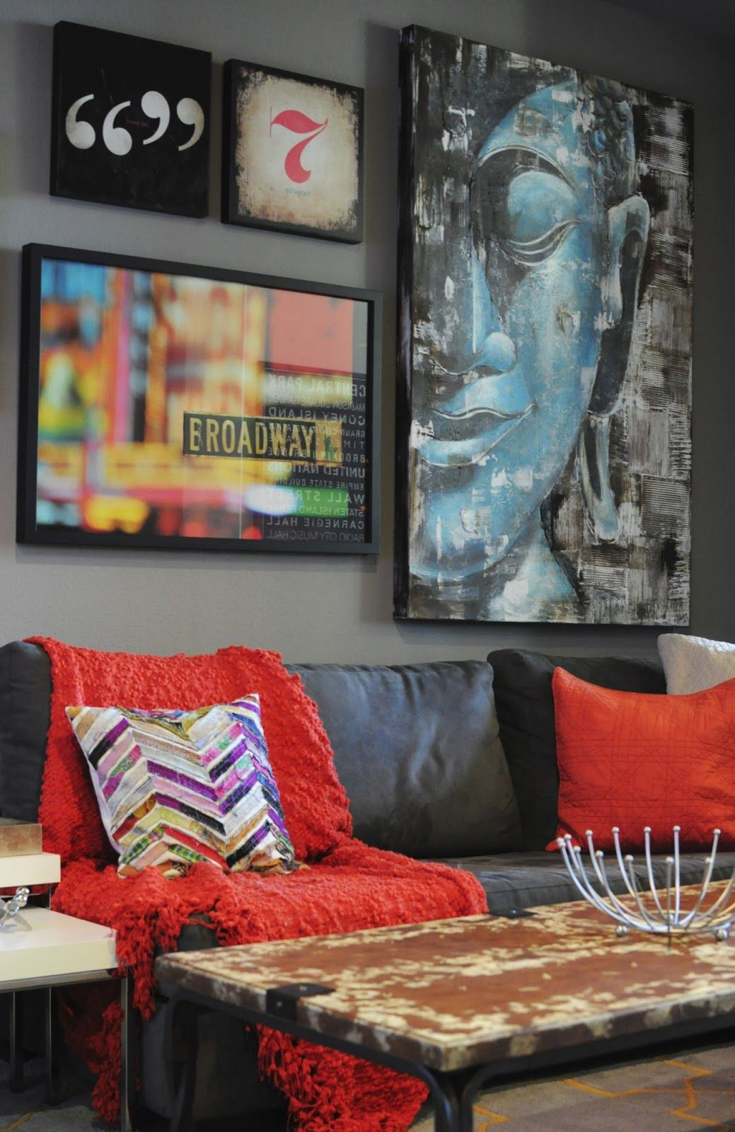 Color of art gallery walls - Living Room Gallery Wall Bachelor Pad