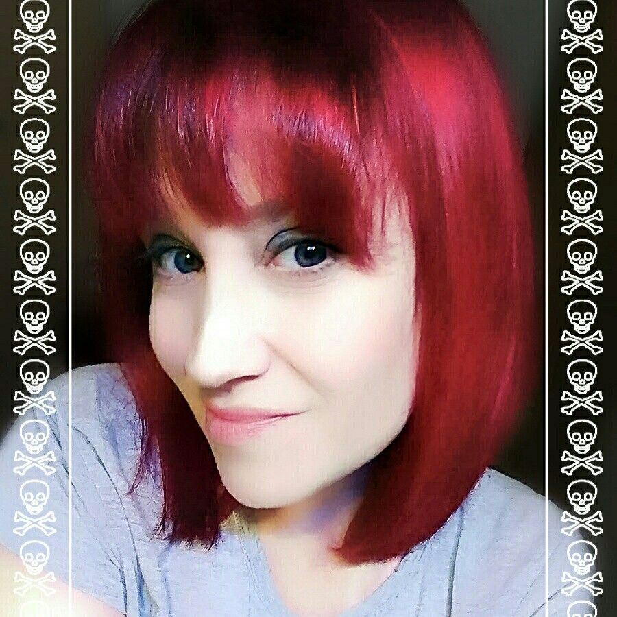 My Latest Hair Adventure Splat Color In Midnight Ruby Medium Haircuts With Bangs Shaggy Short Hair Girls Short Haircuts