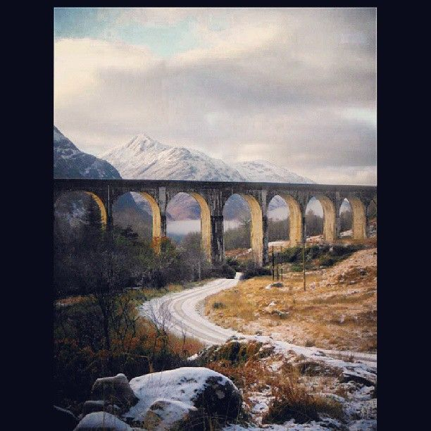 The last time I was at Glenfinnan it was cooler but no Damn Midges! Some fantastic walking to be done around here #Scotland #glenfinnan #winter #viaduct #Padgram